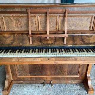 Freestanding piano & stool