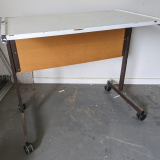 Mobile typing table