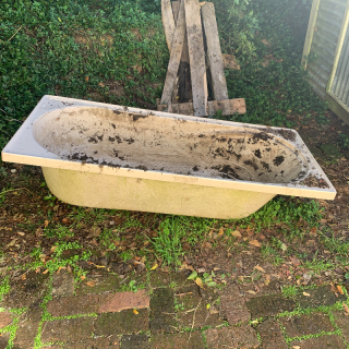 Bath for planter box