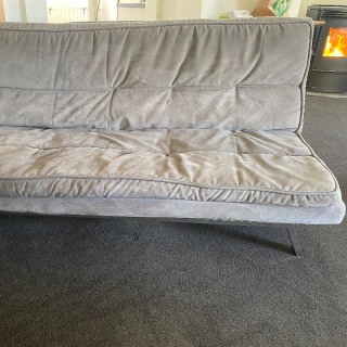 Couch/fold out bed